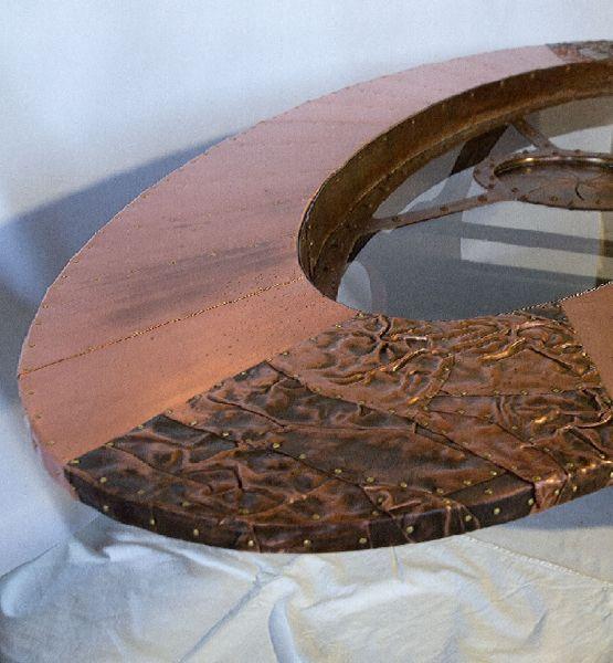 Tisch Nautilus
