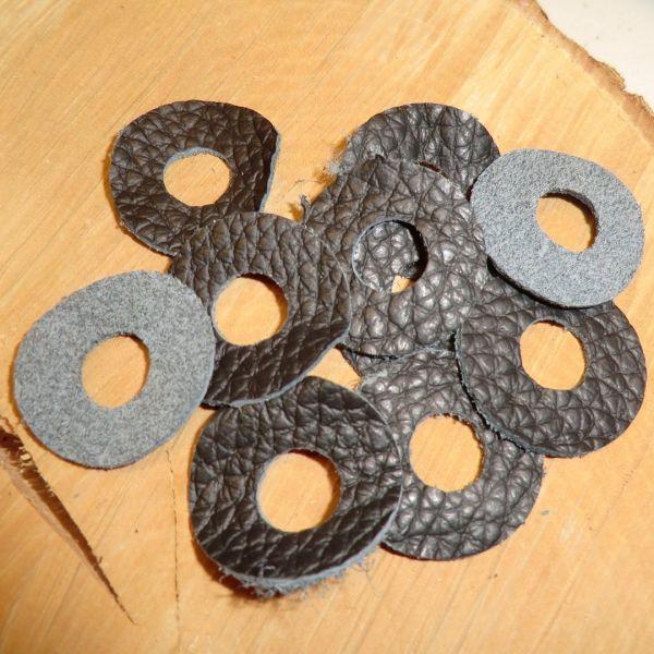 10*Lederscheiben schwarz 1mm Stärke