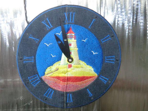 Leuchtturm-Uhr