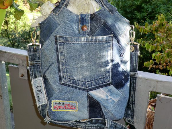 Patchwork-Jeanstasche mit Leder und LOXX